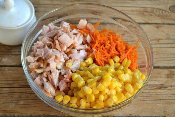 Фото: Куриный салат с корейской морковокой