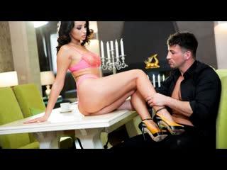 21 Sextury - Hourglass On High Heels / Alyssia Kent