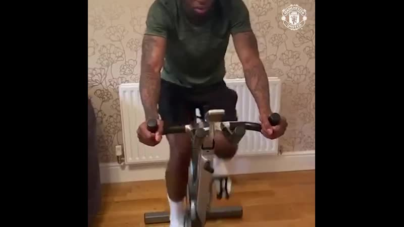 @AWBissaka - - ️ Our right-back is putting in the graft for today's Reds Check-In