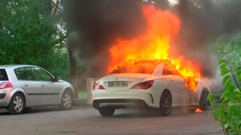 France 'shaken by gang warfare flare up'