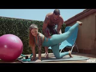 Misha Maver (Full Service Trainer) [2020, Amateur, Bare Foot, Big Ass/Tits, Cum On Tits, 1080p]