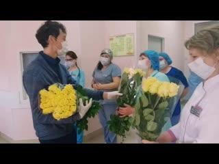15 тысяч роз за два дня подарят врачам подмосковных больниц, в которых лечат больных коронавирусом