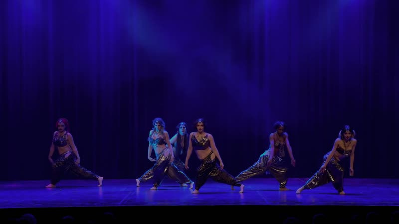 Zoe Jakes Coven theatrical tribal fusion at The Massive Spectacular