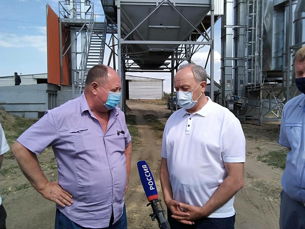 Губернатор области ознакомился с ходом уборочной кампании в СПК «Нива»
