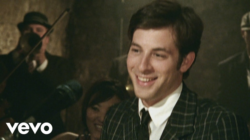 Mark Ronson ft Amy Winehouse Valerie Official Video