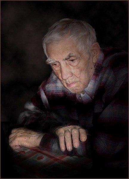 Жил-был старик, и когда он остался одинок, и не мог уже сам за собой ухаживать - сын его забрал его домой к себе, своей жене, и четырёхлетнему сынишке
