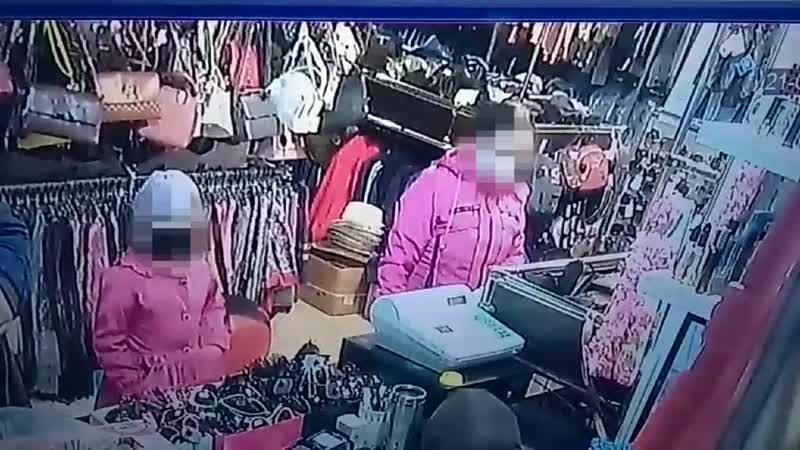 Жительница Мордовии похитила из камеры хранения магазина пакет с продуктами питания и деньгами