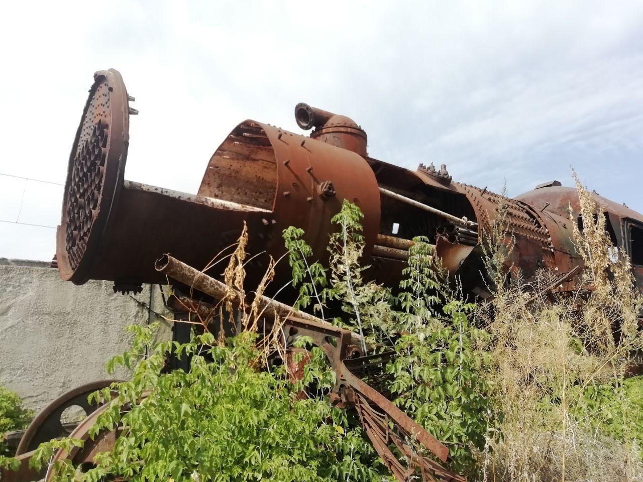 Курск, паровоз уже распилен на металл