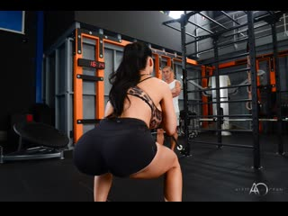 Aletta Ocean – Hot Gym Session [HD 720p]