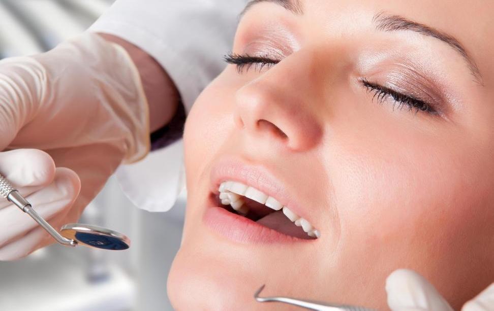 Ортодонтические брекеты обычно применяются только к здоровым зубам.