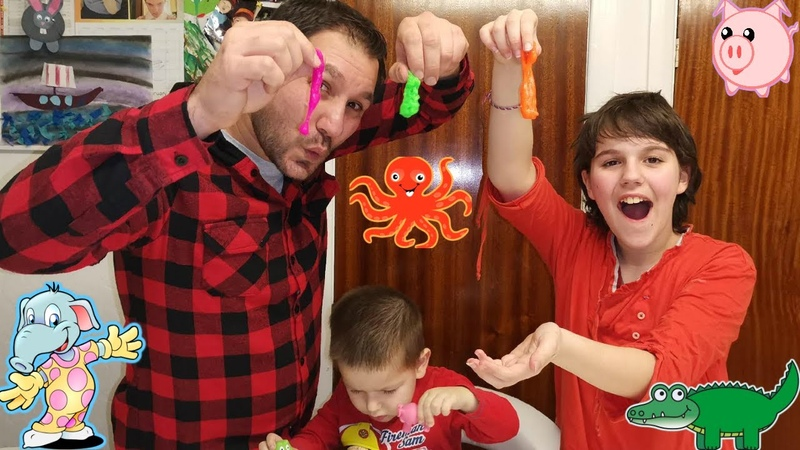 Unboxing Slime Squirting Animals | Bianca and Kaleb Pretend Play with Dad | Indoor Activities Toys