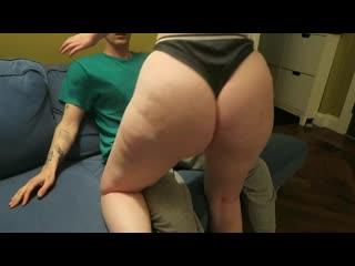 Очкарик трахает пышку с толстой попой, home sex video film porn bubble ass butt fat bbw girl doggy bang boy love (Hot&Horny)