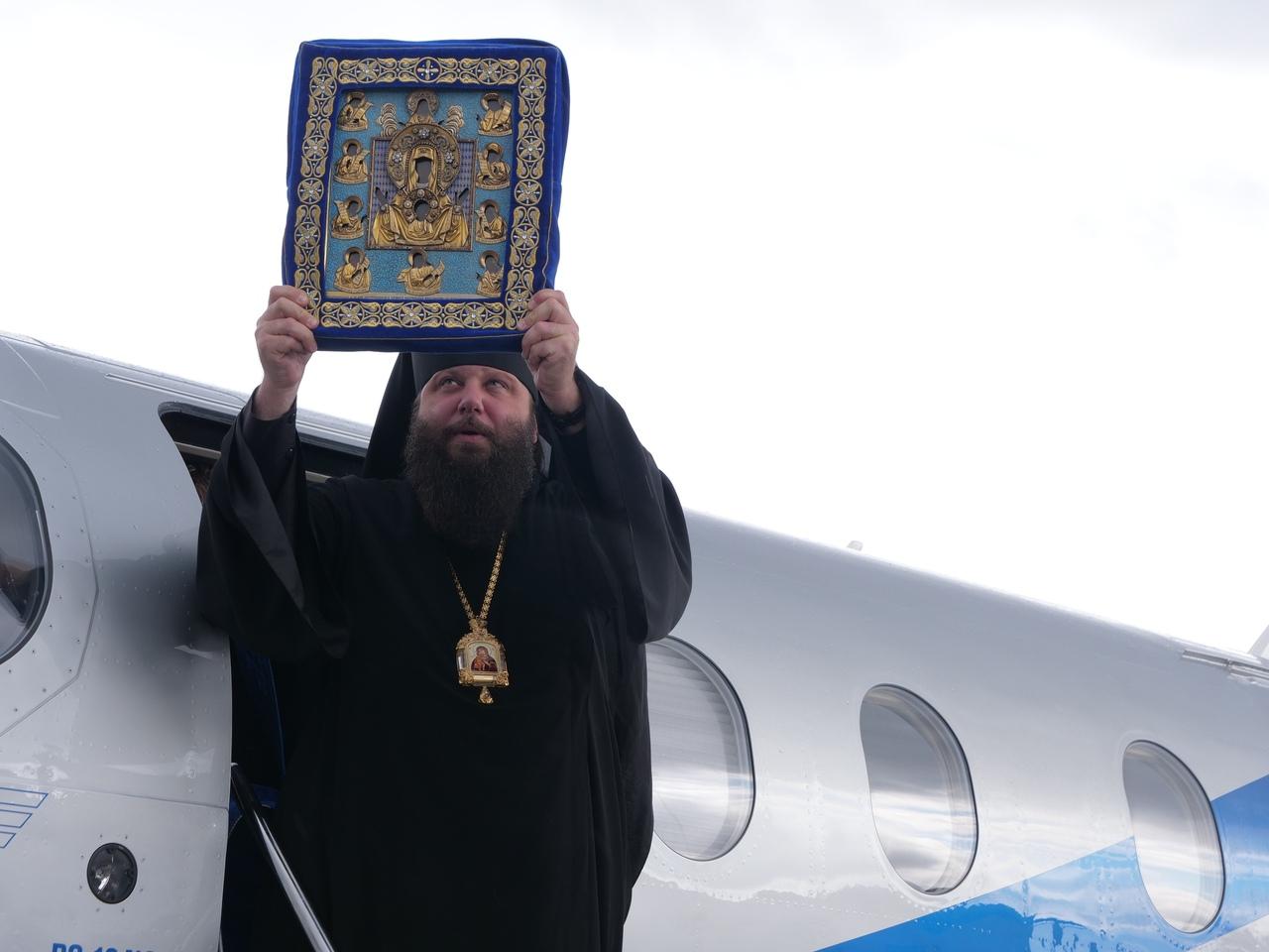 Чудотворная икона «Знамение» прибыла в Курск