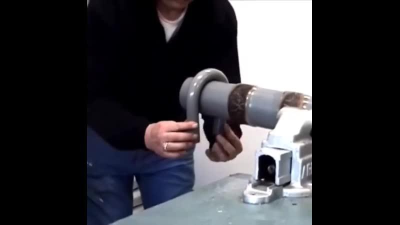 Гнем пластиковые трубы с помощью нагретого песка