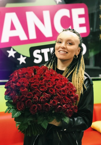 Анна Золотарева