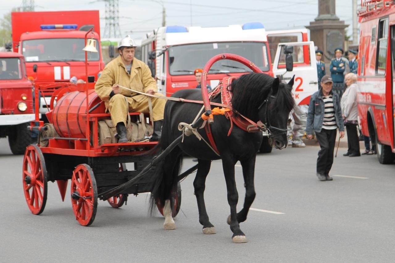 Курские пожарные отметят свой юбилей маршем через весь город