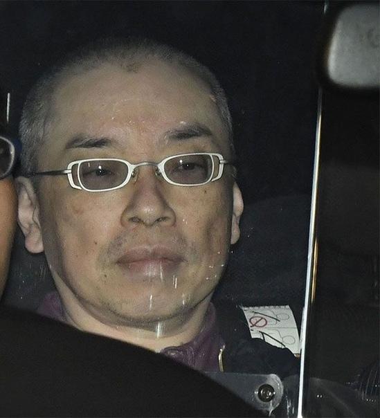 Пусть трон падёт! 26 апреля 2019 года 56-летний Каору Хасэгава переоделся ремонтником и проник в Токийскую среднюю школу, где учился 12-летний принц Хисахито племянник нынешнего императора