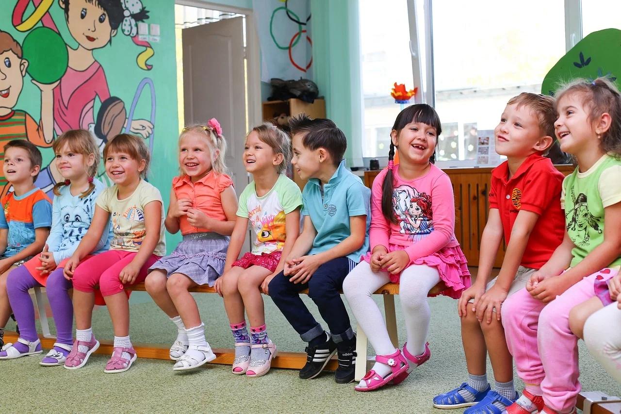 Вячеслав Володин: Дети должны иметь возможность ходить в детсад, школу вместе с братьями и сёстрами