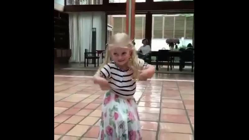 Лиза Галкина СТАНЦЕВАЛА КАРМЕН