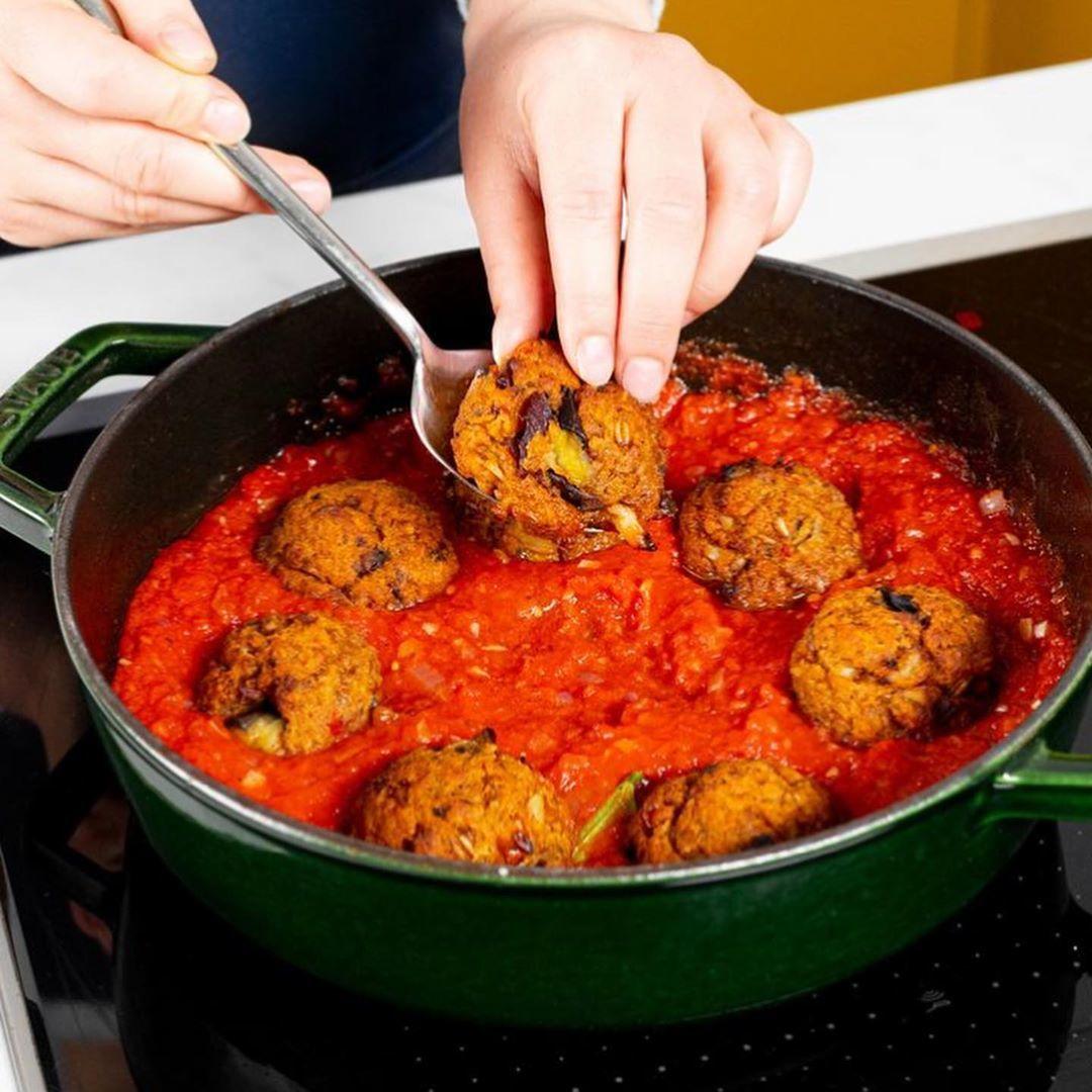 Мясные фрикадельки БЕЗ МЯСА в томатном соусе