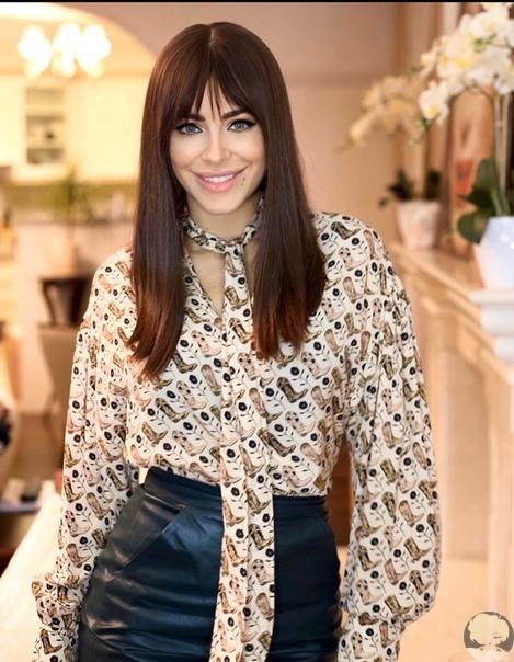 41-летняя певица Ани Лорак показала, как преобразилась, сделав модную стрижку и покрасив волосы в новый оттенок