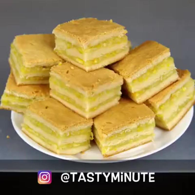 Домашнее пирожное с лимонно-апельсиновой начинкой - безумно вкусно! Все гости будут просить рецепт! А он простейший.