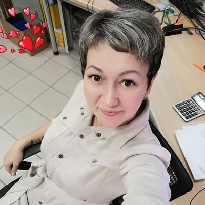 Valentina, 38, Slantsy
