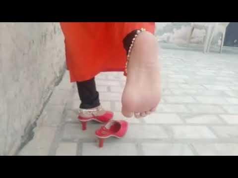 Indian Mistress Crushing Cucumber and Orange under her Feet Wearing Anklets Pornhub feet worship
