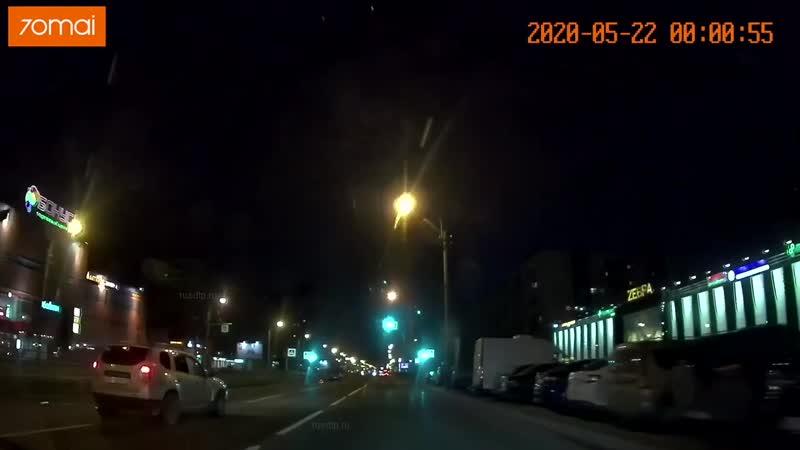 Яма на проспекте Косыгина.