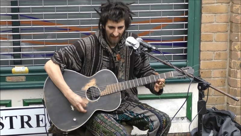 EPIC LONDON STREET PERFORMANCE BEST ROCK AND ROLL ELECTRIC GUITAR SOLO DIRTY BLUES EPIC GUITAR GOD