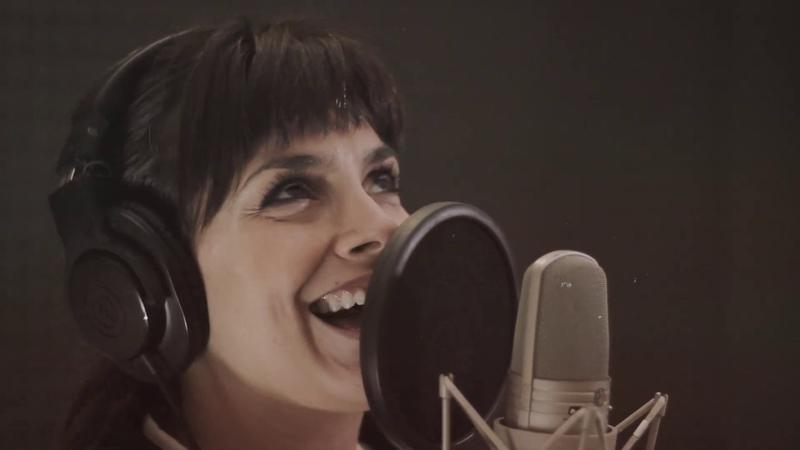 Algo Tiene ft Los Caligaris Natalie Perez Video Oficial