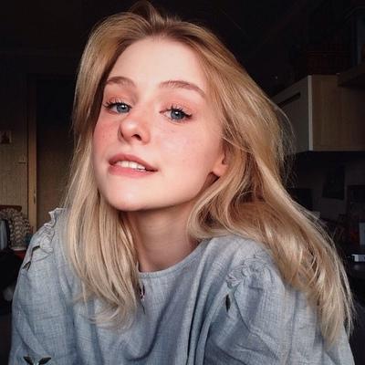 Евгения Шаронова