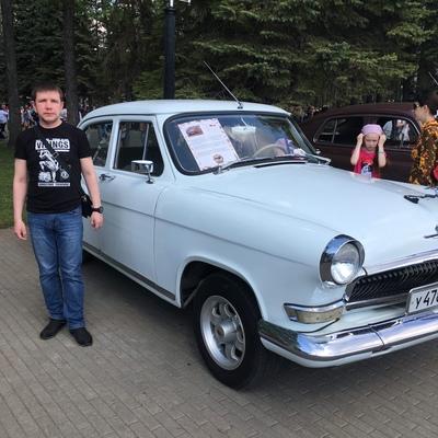 Денис Тихонов