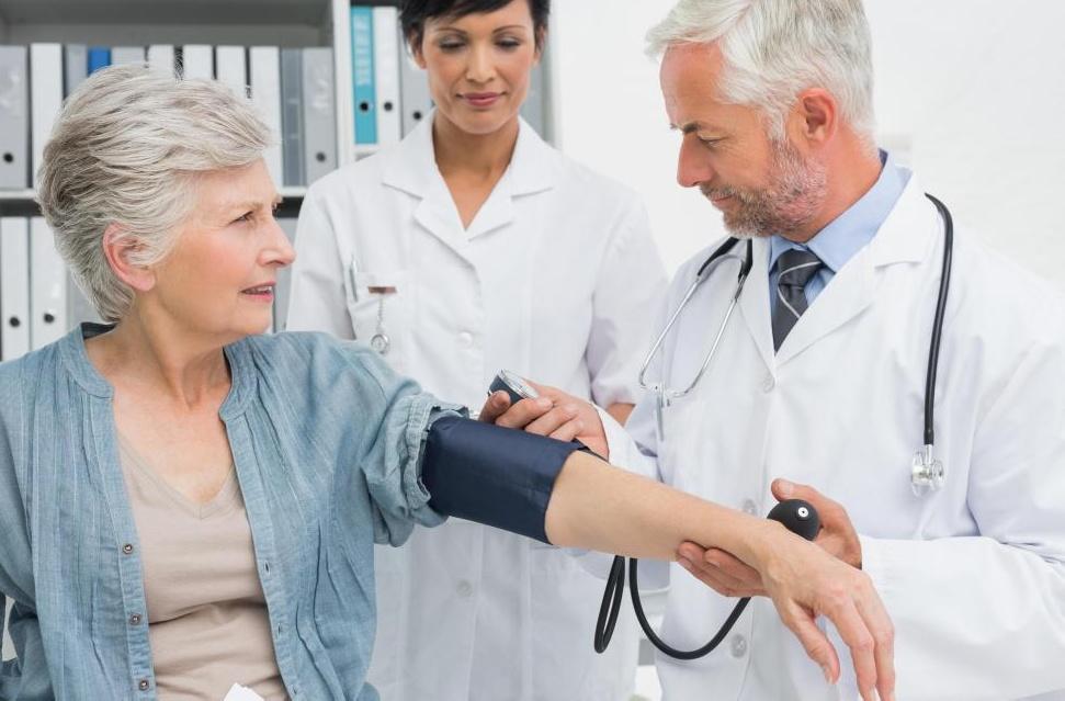 Хроническая болезнь почек может вызвать высокое кровяное давление.